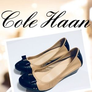 Cole Haan Air Bow Wedge Camel & Black Leather